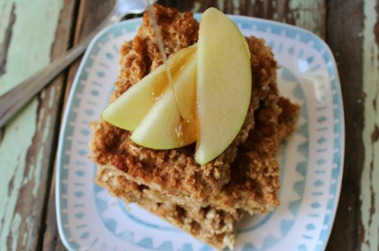 This warm Apple Baked Oatmeal is sure to be an amazing warm treat for breakfast for the entire family!
